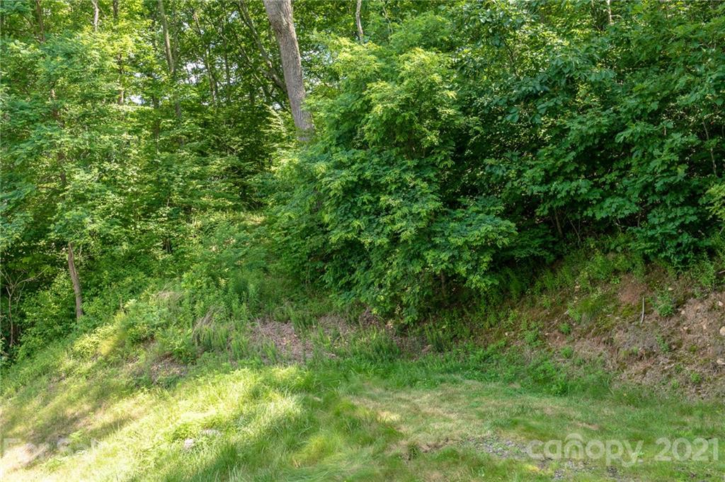 Lot 18 thumbnail image 18